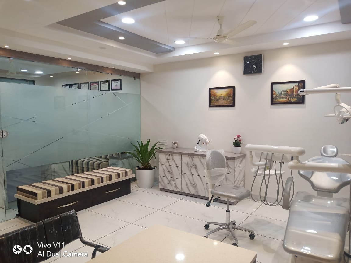 The Shining 32 Dental Clinic - Braces, Implant & Root Canal Centre